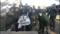 Evgeni Rassadin kolektivnoe foto na fone tankov