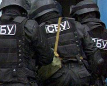 В Днепропетровске сотрудники СБУ и УМВД вымогали деньги