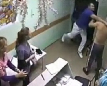 В Белгородской больнице врач одним ударом вырубил пациента (ВИДЕО)