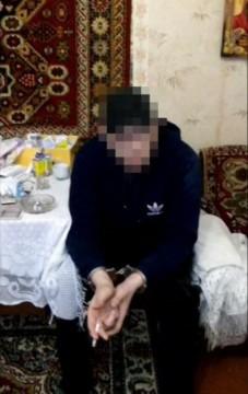 15-5710f2376ac73-sbu_zaderzhala_kriminalnogo_avtoriteta__kotoryj_kr
