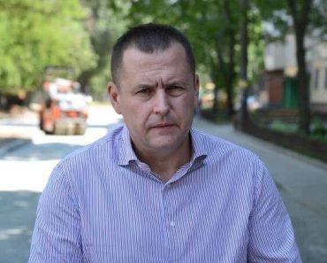 Борис Филатов обратился к министру МВД из-за нападения на активистку боевиков Нарика