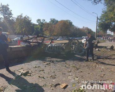 На одному з проспектів Дніпра підірвали автівку, загинуло двоє людей
